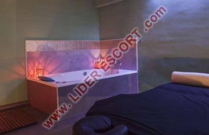 Habitaciones para masajistas y escorts -