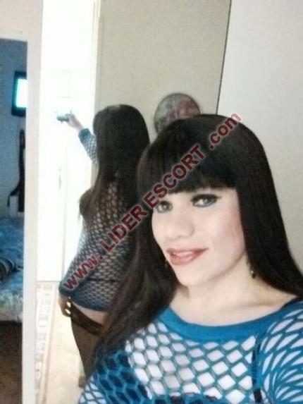 Trans latina muy fiestera -