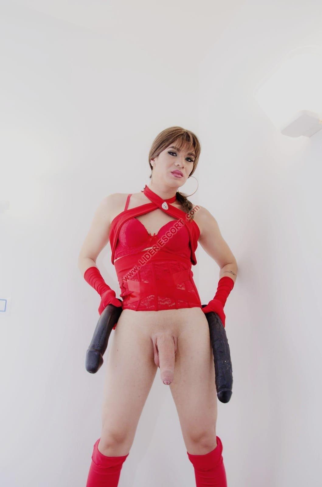 Nueva travesti viciosa cachonda lechera -