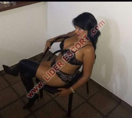 Linda y elegante brasileña -