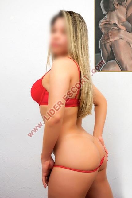 Brasileña joven muy viciosa y morbosa -