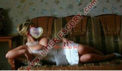 Rusa con pecho natural XXL -