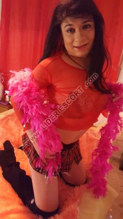 Novedad trans brasileña jovencita -