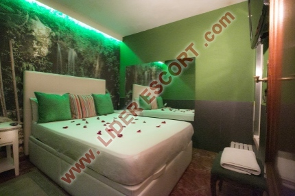 ENJOY BARCELONA DALILA TRAVESTIS -