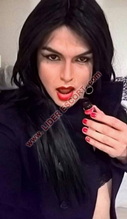 Recién llegada, trans morenaza muy viciosa -