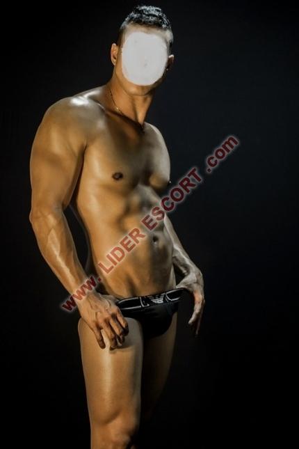 100% Guapo, discreto, masajes, apto privado -