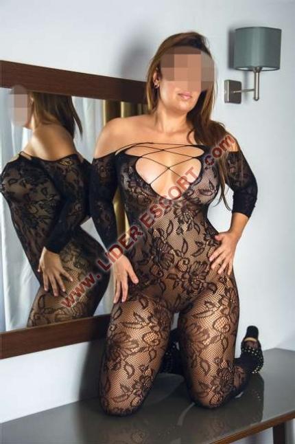 Sexy ardiente muy viciosa española -