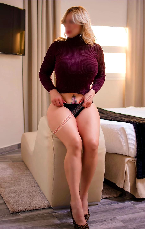 Implicada y muy sensual -