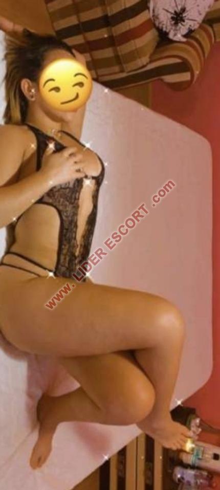Implicada muy ardiente y sensual -